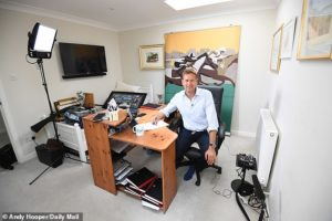 Ed Chamberlain to host ITV's racing coverage from his Hampshire home when sport returns