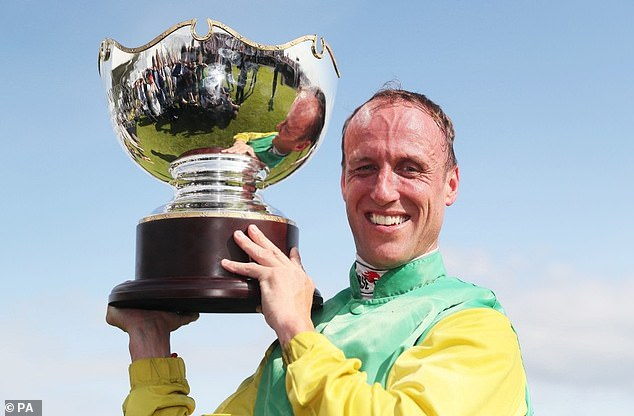 Jockey Robbie Power set to move from Ireland to England due to Covid-19 travel restrictions